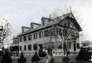 東三番町校舎